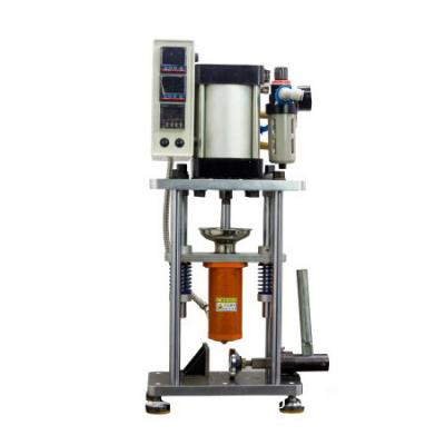 Manual or pneumatic injection molding machine plunger feeding